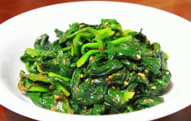 Seasoned Spinach with red pepper paste | Asian | Pinterest