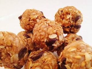 "Homemade ""chewy granola bars in ball form."" Looks like a super yumm..."