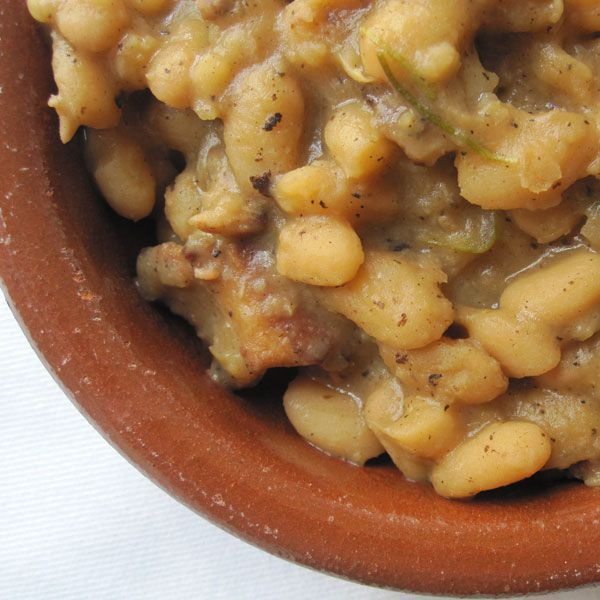 Weekend Cooking: Beer-Baked White Beans