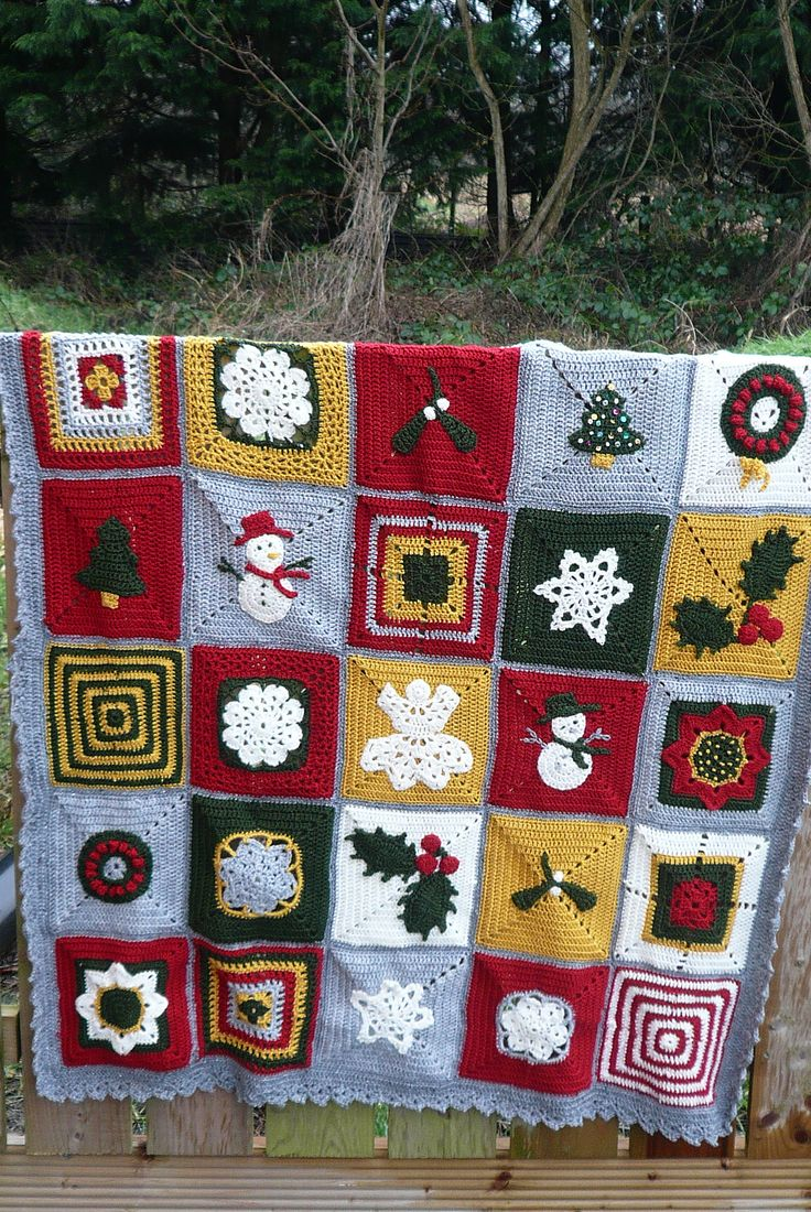 Ravelry: irishkiwi's 12 blocks of christmas