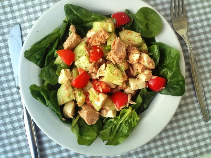 Caprese Tuna Salad. Healthy summer dinner that's done in 10 minutes ...