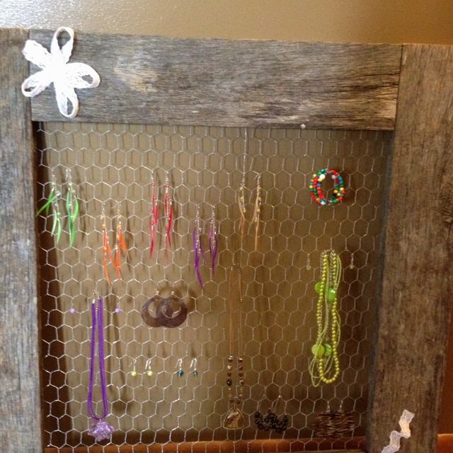 Barn wood jewelry holder craft ideas pinterest for Old barn wood craft projects