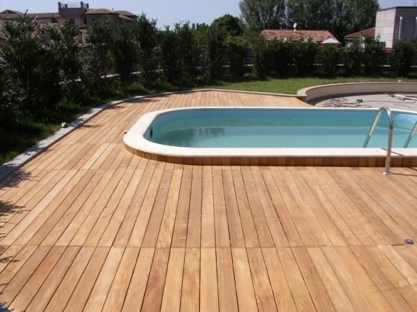 rivestimento per piscine esterne