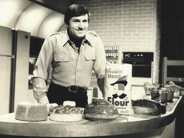Graham Kerr The Galloping Gourmet Remember When Pinterest