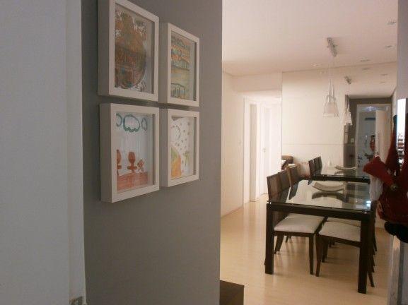Pinturas do seu filho na parede da sala  Brincando de Casinha