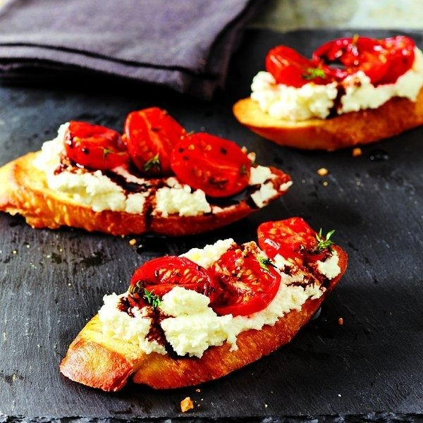 Roasted-tomato crostini ricotta | snacks | Pinterest