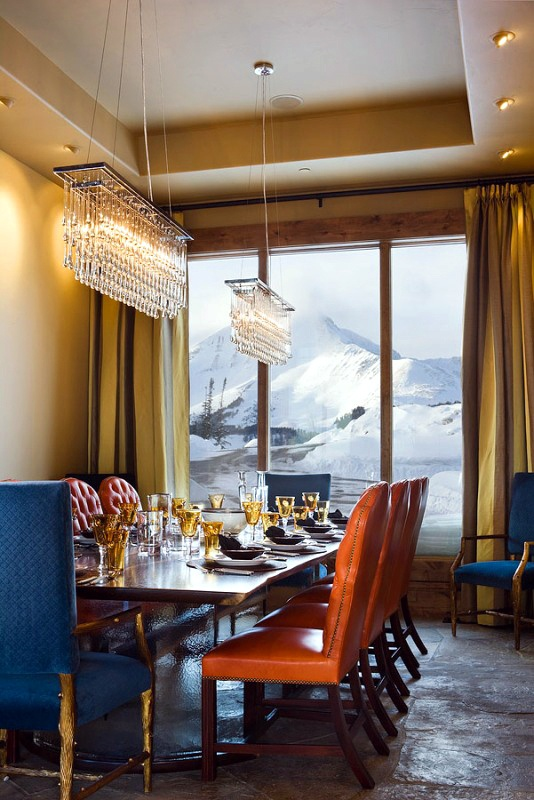 Imagine having a dining room with this view.