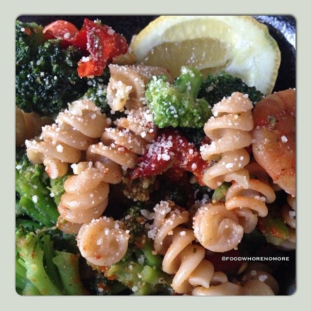 Whole wheat pasta, pesto, shrimp, broccoli & red peppers w/pine nuts ...