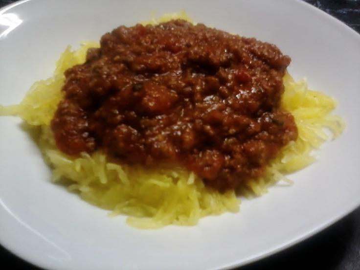 Spaghetti Squash with meat sauce.. My new favourite non-pasta, pasta ...