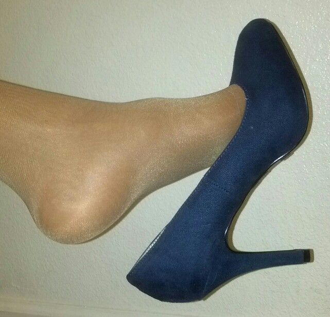 Dangle foot in sexy shoes stocking