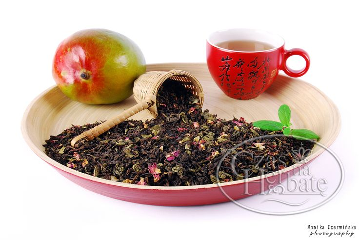 MANGO FIT. Pu Erh red and Gunpowder green teas with a mango, rose petals and aroma.