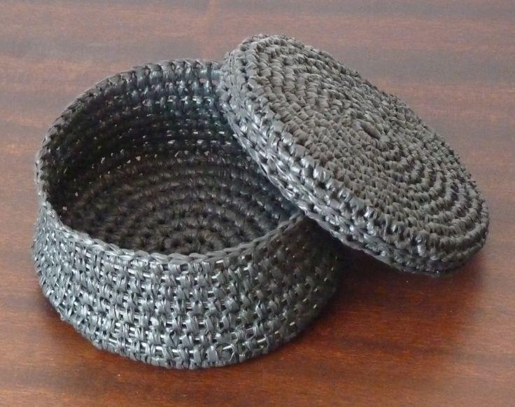 Crochet Wire Bags : Pin by Lisa DeSousa on CROCHET CROCHET CROCHET :) Pinterest