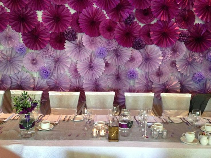 Pictures of DIY Head Table Linens and Backdrop
