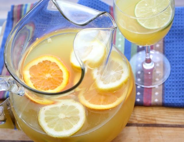 The Bitchin' Kitchin': Pineapple Sangria | Cheers | Pinterest