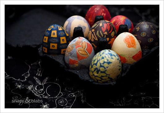 Silk dyed eggs (blown out)