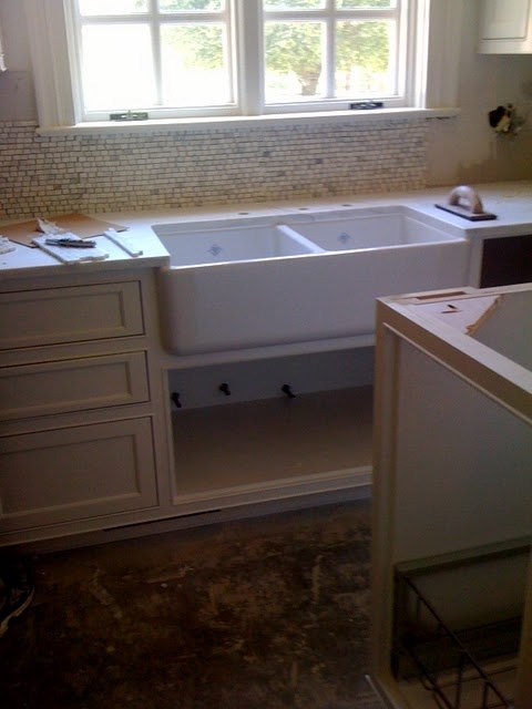 Double Sided Farmhouse Sink : double sided farm sink and cool backsplash