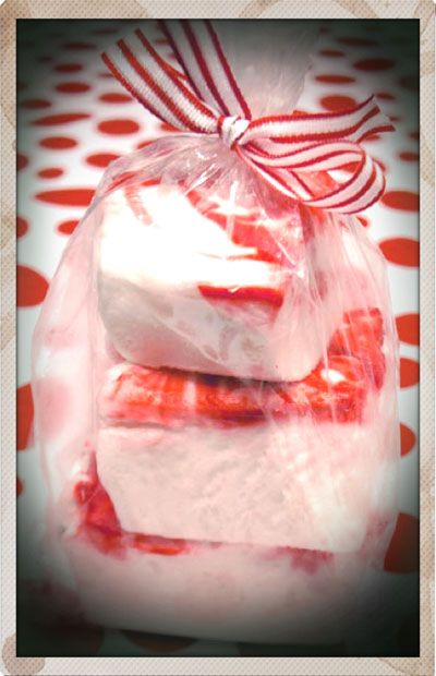 Candy Cane Marshmallows - not sure if I can wait til next December to ...