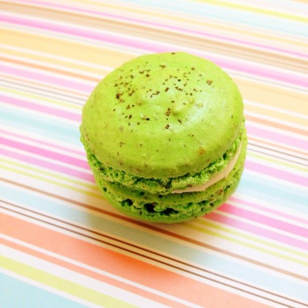 green tea macarons | things i make | Pinterest