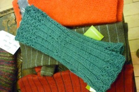Knitting Pattern Free Wrist Warmers : Knit: Tube Wrist Warmers (free pattern)  Knit One Purl Two  Pint?