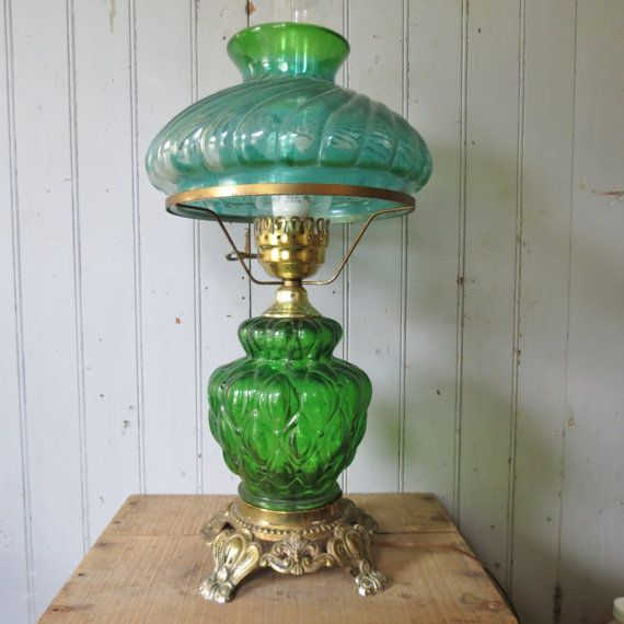 moving sale green glass hurricane table lamp elegant vintage lightin. Black Bedroom Furniture Sets. Home Design Ideas