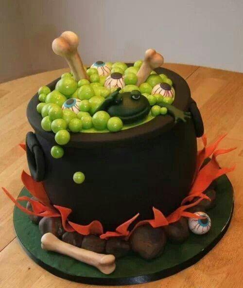 This is a super original Halloween cake idea