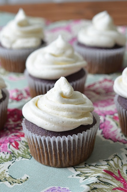 Lavender Cupcakes with Vanilla Bean Buttercream Frosting
