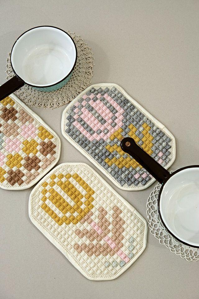 embroidered potholders - karen barbé