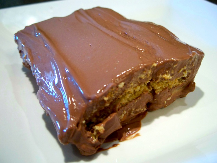 """Chocolate Almond """"Pudding"""" Pie"""
