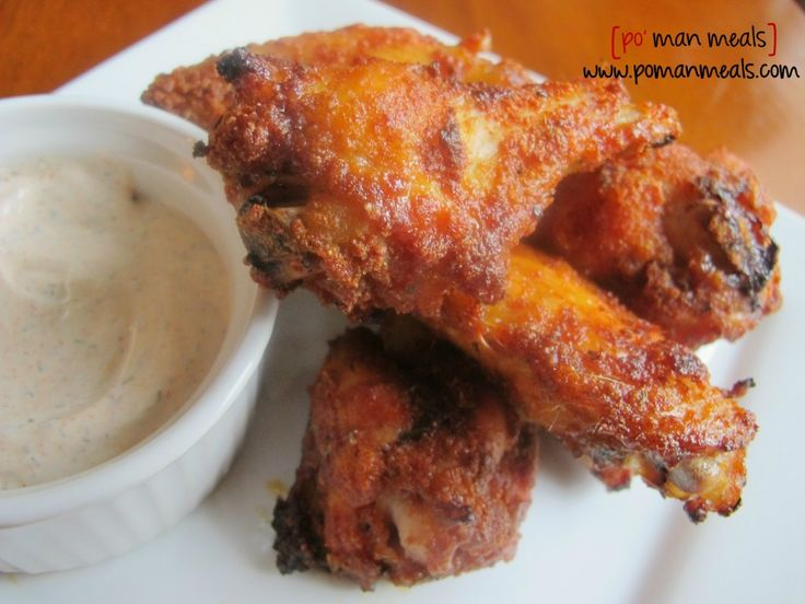 Baked sweet and spicy chicken wings with dill ranch cream sauce | Rec ...