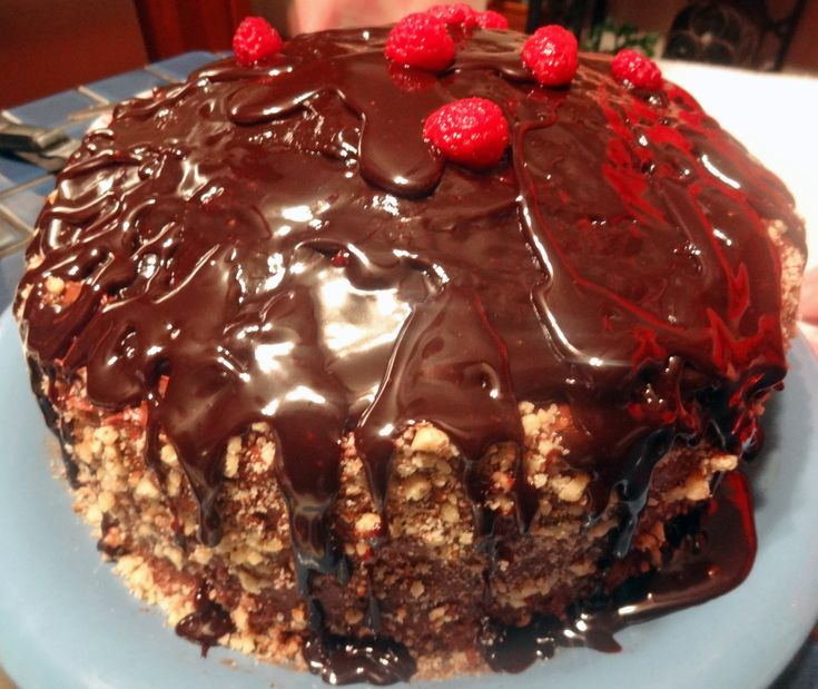 Raspberry Double Chocolate Cake | Portuguese Recipes | Pinterest