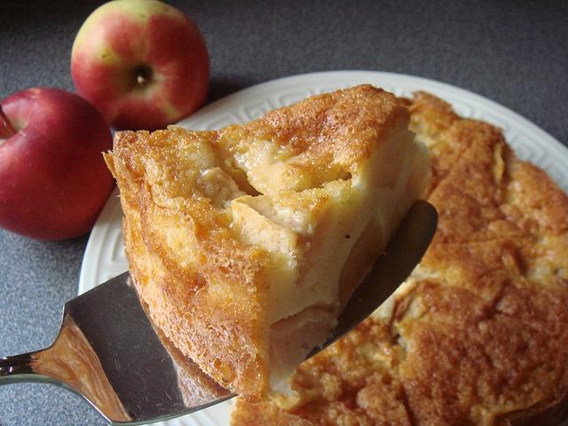 Marie-Hélène's Apple Cake, via Flickr. | apples | Pinterest
