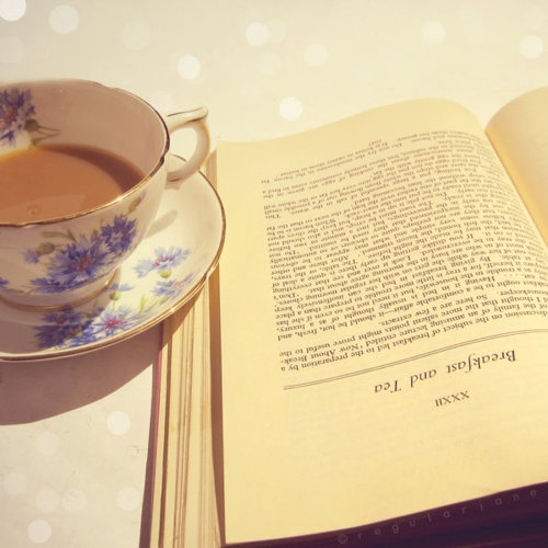 Tea and books ♥