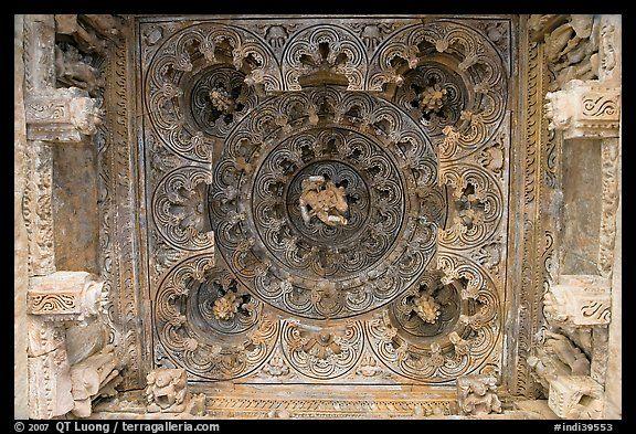 Ceiling decor of temple entrance  Parsvanatha  Eastern Group    Kandariya Mahadeva Temple Inside