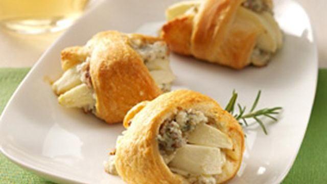 Apple-Rosemary Blue Cheese Bites   Recipe