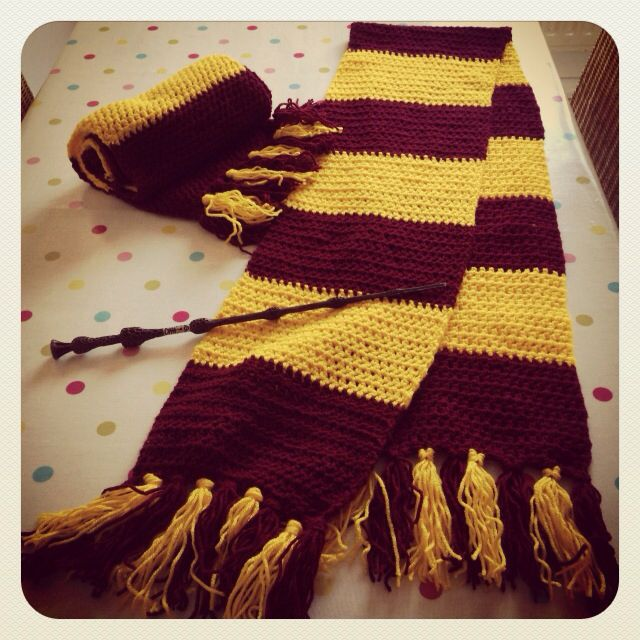 Free Knitting Patterns For Harry Potter Scarves : Harry Potter crochet scarves Scarves galore Pinterest