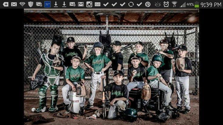 Baseball team pose ideas baseball pose education for Team picture ideas