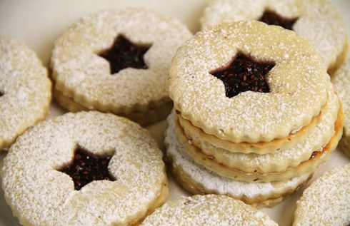 Raspberry Linzer Cookie | Food and drinks | Pinterest