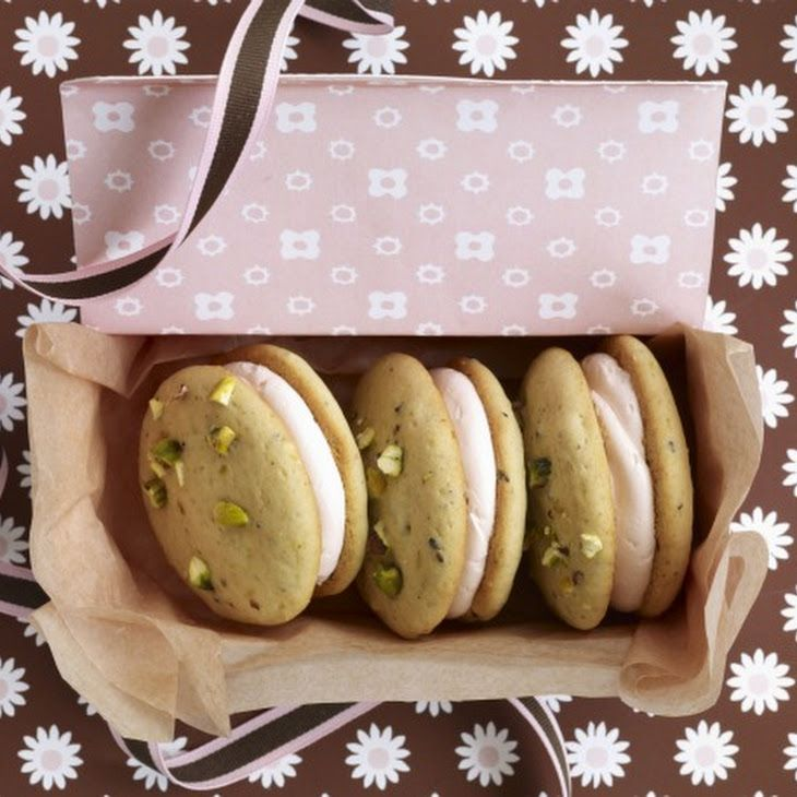 Pistachio Whoopies with rosewater cream. | Whoopies | Pinterest