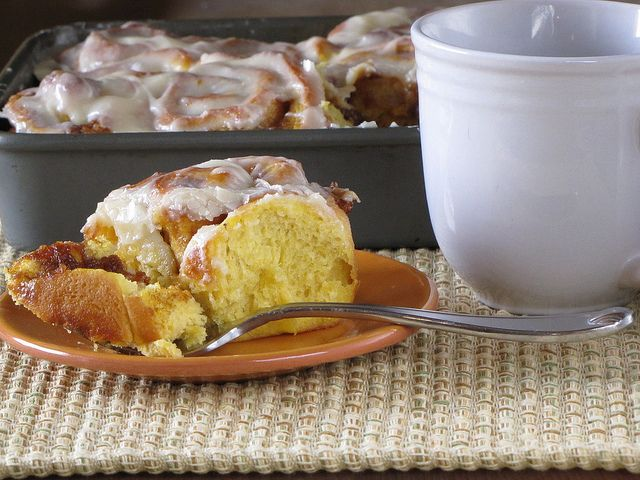 Quick Pumpkin Cinnamon Rolls! I will be making these this weekend. Who ...