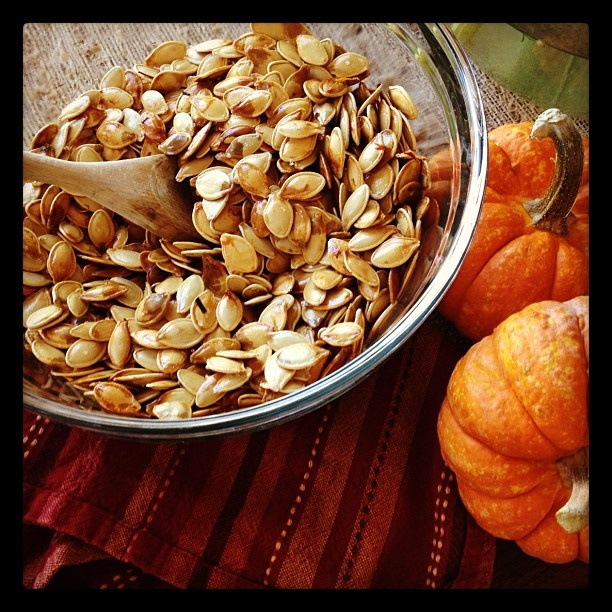 Roast your own pumpkin seeds! | Pumpkin recipes | Pinterest