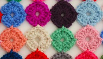 Crochet Yoyos : Crochet a Yo-Yo Coverlet Crochet Pinterest