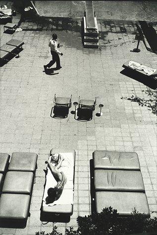 "Garry Winogrand, ""Untitled, from the portfolio New California Views"" (1964; printed 1979)   photograph   gelatin silver print    Source: http://www.sfmoma.org/explore/collection/artwork/14905#ixzz1jkXgYo9j   San Francisco Museum of Modern Art"