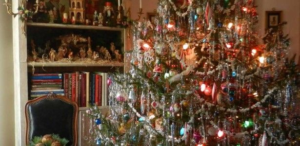 Christmas lights in bedroom how to decorate - 1950s Style Christmas Tree Christmas Pinterest