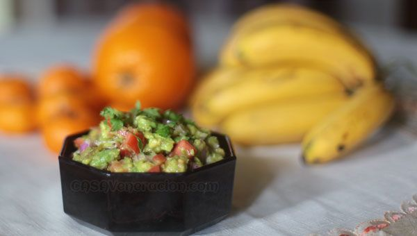 Guacamole with garlic and roasted peppers | Recipe