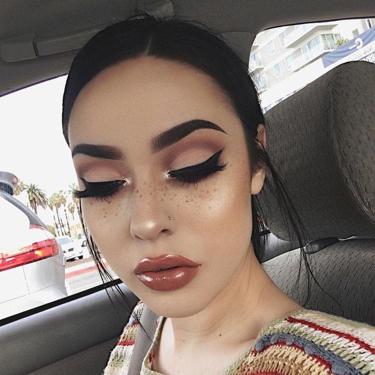Face beat makeup