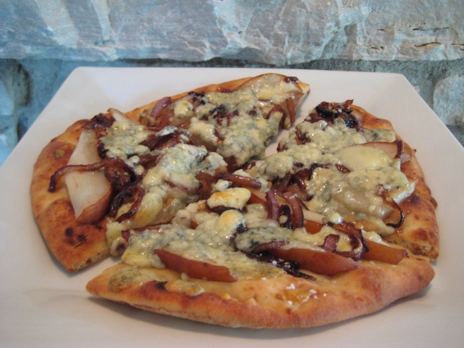 Caramelized Onion, Pear and Gorgonzola Flat Bread Pizza .. Making this ...
