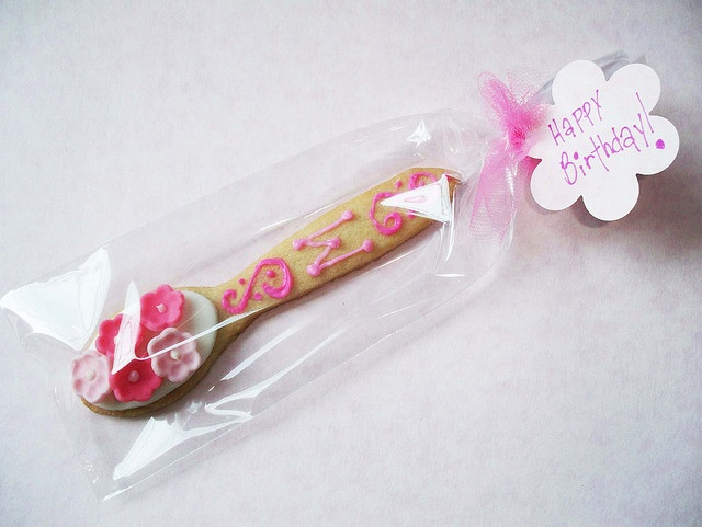 Cookie Spoon Favors....cute idea for a tea party!