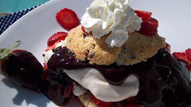 Chocolate-Covered Strawberry Shortcake | Yummy recipe's | Pinterest