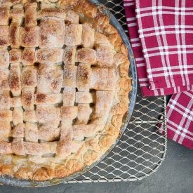 ... recipe and video tutorial for a classic double crusted apple pie