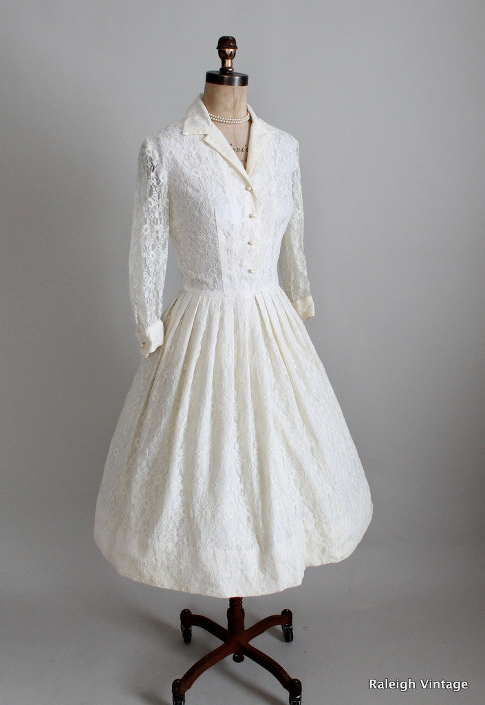 Vintage 1960s wedding dress 50s 60s cream lace for Vintage wedding dress 60s